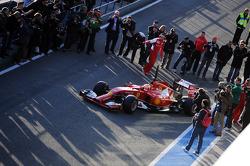 Kimi Raikkonen, Ferrari F14-T leaves the pits