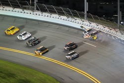 Dale Earnhardt Jr., Hendrick Motorsports Chevrolet and Marcos Ambrose, Richard Petty Motorsports Ford crash