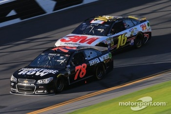 Martin Truex Jr., Furniture Row Racing Chevrolet and Greg Biffle, Roush Fenway Racing Ford