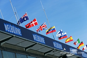 Melbourne flags and atmosphere