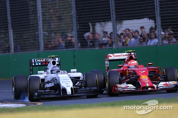 Valtteri Bottas, Williams F1 Team and Kimi Raikkonen, Scuderia Ferrari  16