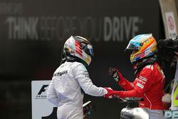Lewis Hamilton, Mercedes AMG F1 Team and Fernando Alonso, Scuderia Ferrari  20