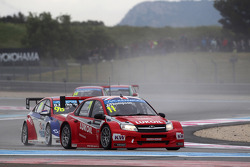 James Thompson, Lada Granta 1.6T, LADA Sport Lukoil and Dusan Borkovic, Chevrolet RML Cruze TC1, NIS Petrol by Campos Racing