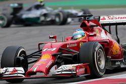 Fernando Alonso, Scuderia Ferrari and Nico Rosberg, Mercedes AMG F1 Team