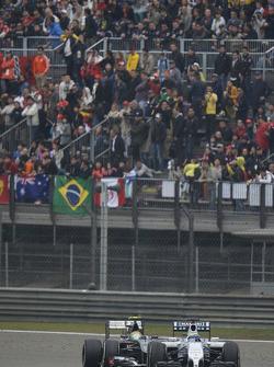 Felipe Massa, Williams FW36 leads Esteban Gutierrez, Sauber C33