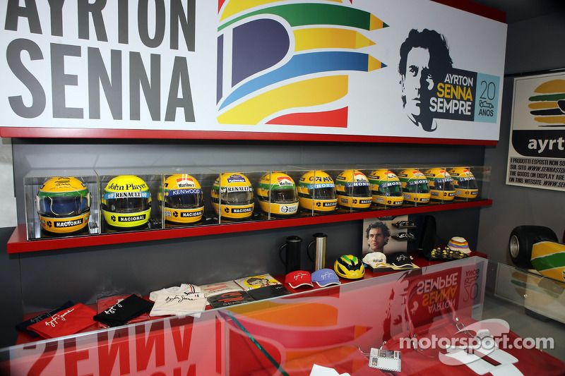 Imola Ayrton Senna tribute Photos - Formula 1 Racing Event ...