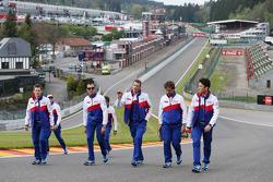 Anthony Davidson, Stéphane Sarrazin, Alexander Wurz and Kazuki Nakajima walk the circuit