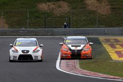 John Filippi, SEAT Leon WTCC, Campos Racing and Yukinori Taniguchi, Honda Civic WTCC, NIKA Racing