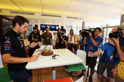 Daniel Juncadella, Sahara Force India F1 Team Test and Reserve Driver celebrates his birthday with the customary cake
