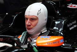 Nico Hulkenberg, Sahara Force India F1 VJM07 carrying a tribute to James Rao