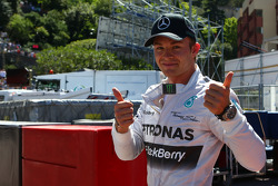 Pole position for Nico Rosberg, Mercedes AMG F1