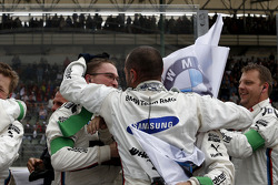 Mechanics of Marco Wittmann, BMW Team RMG BMW M4 DTM celebrate his victory