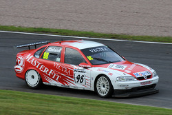 John Cleland in his 1997 BTCC Vauxhall Vectra V97-001