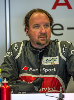 Brad Kettler with concern following Loic Duval's crash