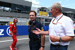 Christian Horner, Red Bull Racing Team Principal with Dr Helmut Marko, Red Bull Motorsport Consultant on the grid