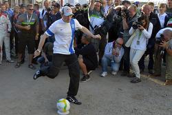 Jari-Matti Latvala plays football