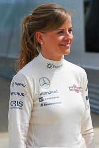 Формула 1 Фотографії - Сьюзі Вольфф, пілот програми розвитку Williams