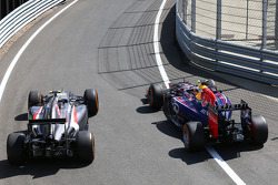 Esteban Gutierrez, Sauber C33 with Daniel Ricciardo, Red Bull Racing RB10