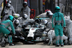 Nico Rosberg, Mercedes AMG F1 Team during pitstop