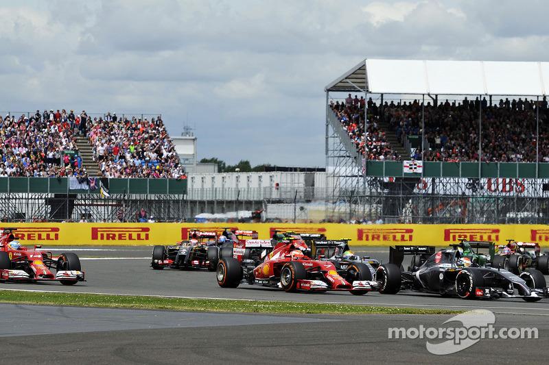 Kimi Raikkonen, Ferrari F14-T at the start of the race