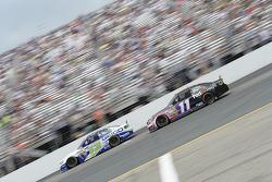 Casey Mears, Germain Racing Ford and Denny Hamlin, Joe Gibbs Racing Toyota