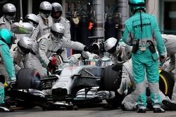 F1: Lewis Hamilton, Mercedes AMG F1 Team during pitstop