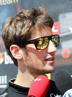 F1: Romain Grosjean, Lotus F1 Team with the media