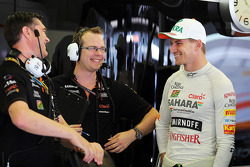 Bradley Joyce, Sahara Force India F1 Race Engineer, and Nico Hulkenberg, Sahara Force India F1 VJM07