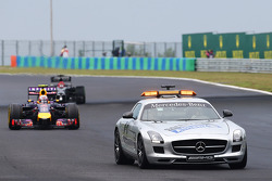Daniel Ricciardo, Red Bull Racing RB10 leads behind the FIA Safety Car