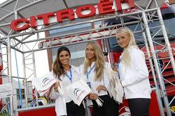 Lovely Citroën girls