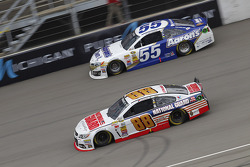 Brian Vickers, Michael Waltrip Racing Toyota and Dale Earnhardt Jr., Hendrick Motorsports Chevrolet