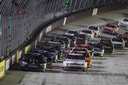 NASCAR-NS: Start: Kyle Busch leads