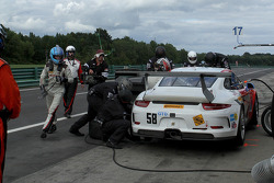 #58 Snow Racing Porsche 911 GT America: Madison Snow & Jan Heylen  pit stop