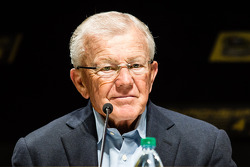 Championship contenders press conference: team owner Joe Gibbs