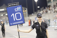 Grid girl for Stoffel Vandoorne, ART Grand Prix
