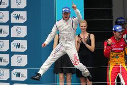 Race winner Sam Bird, second place Lucas di Grassi