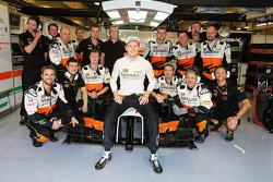 Nico Hulkenberg, Sahara Force India F1 VJM07 with the team