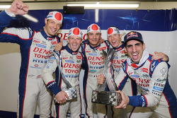 Alexander Wurz, Anthony Davidson, Stéphane Sarrazin, Mike Conway, Sebastien Buemi, Toyota Racing celebrate the 2014 teams and drivers championship