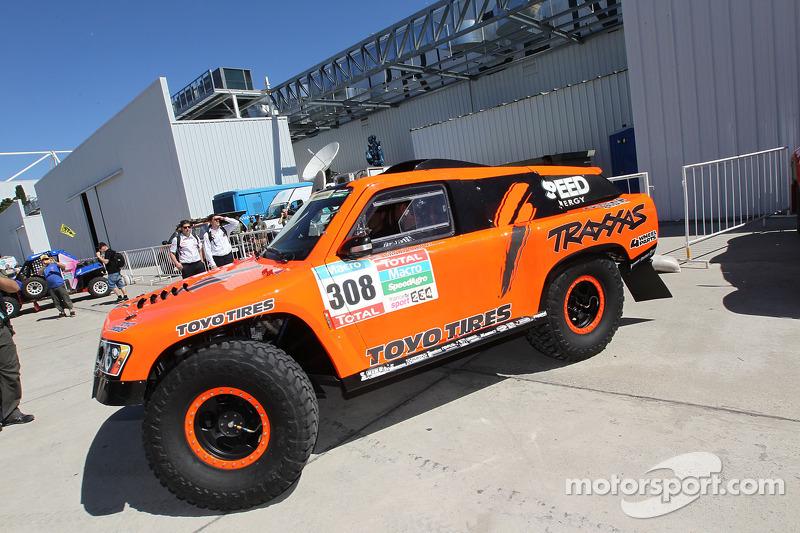 308 Hummer Robby Gordon Johnny Campbell At Dakar