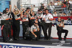 Andrew Hines' crew celebrates 2004 NHRA POWERade World Championship in Pro Stock Bike