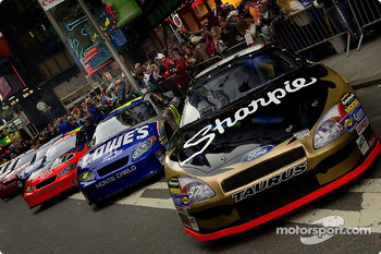 Thousands of New Yorkers on hand to view the NASCAR Nextek Cup machines