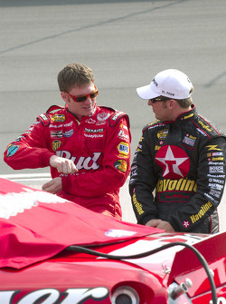 Dale Earnhardt Jr. and Jamie McMurray talk before qualifying