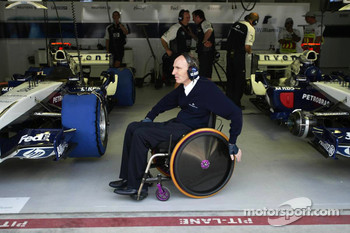 Sir Frank Williams, always present in the team's garage