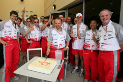 Mike Gascoyne celebrates birthday with Toyota team members
