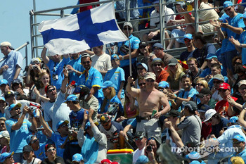 A fan of Kimi Raikkonen among fans of Fernando Alonso