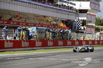 Second place finish for Fernando Alonso