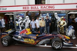 Christian Klien, Vitantonio Liuzzi and David Coulthard with George Lucas