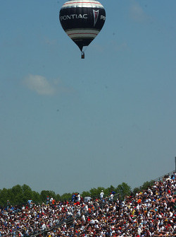 Pontiac hot air balloon passes over the grandstand