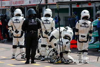 Red Bull Racing crew members ready for a pitstop