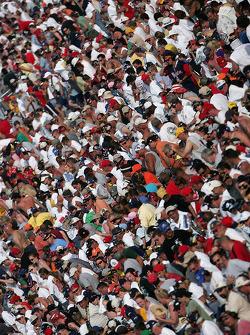 Fans watch final laps
